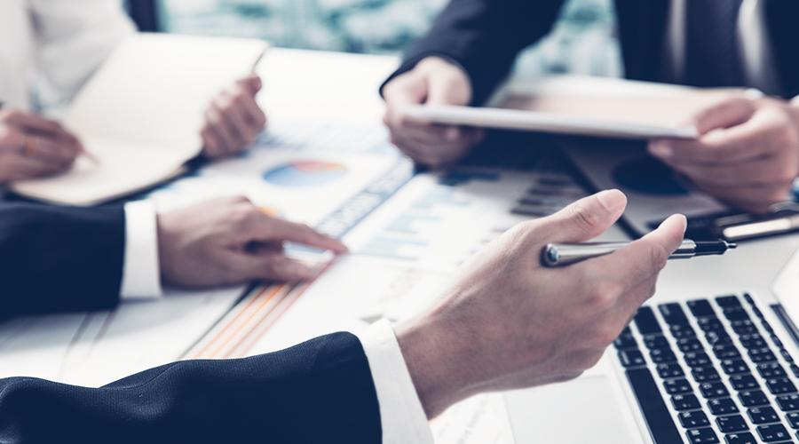 기업사회공헌•투자, 점찍은 남자