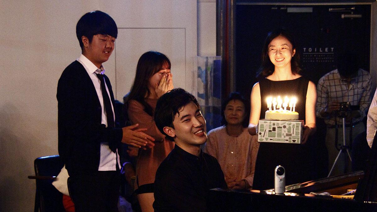 피아니스트 정한빈 살롱콘서트 - 생일 축하 연주 © 정영은