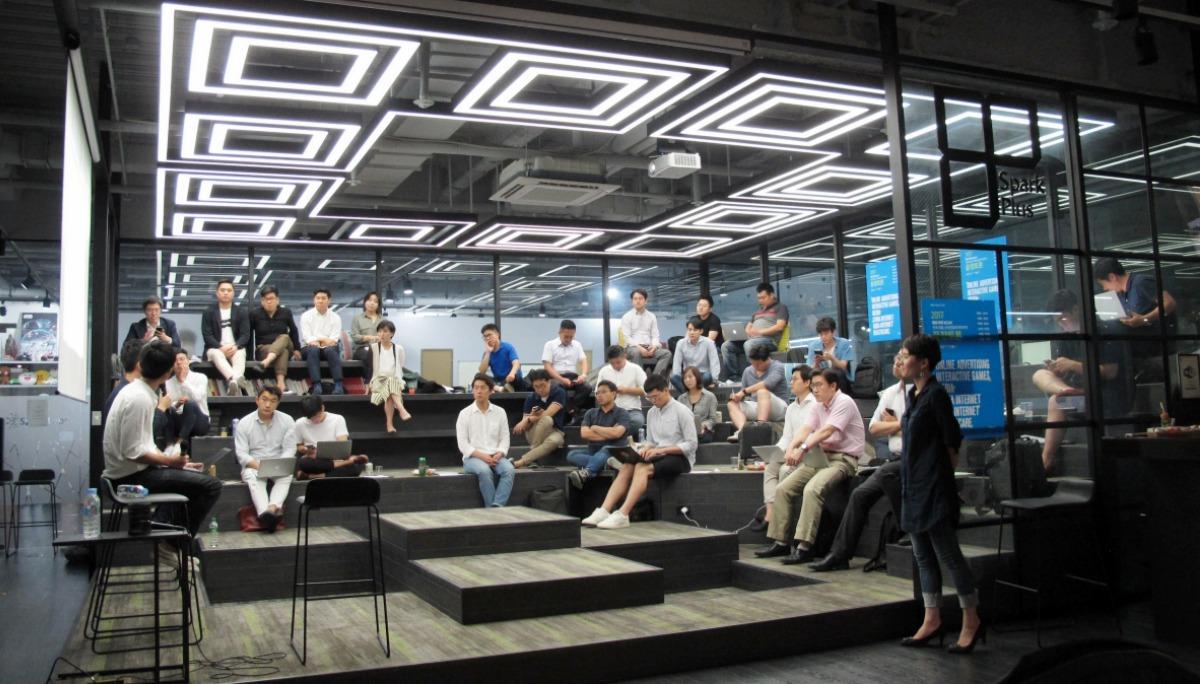 헬스케어: 디지털 서비스로서의 유전자 분석