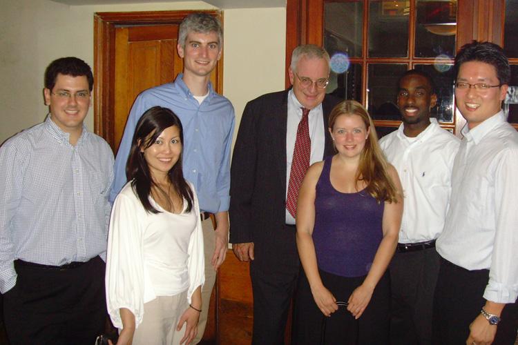 내가 속했던 Learning Team 106, 학교에서는 러닝팀이 원하는 교수와 한 번의 저녁식사를 하도록 예산을 배정해준다. ⓒ오유석