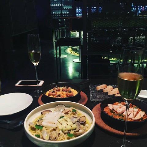 융복합형 식당 예시: 한식 와인바©정식바 홈페이지