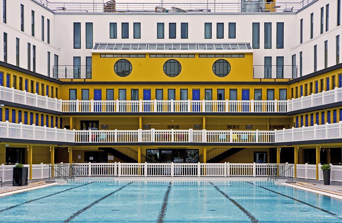 몰리토르의 상징인 수영장의 전경 ©GILLES TRILLARD
