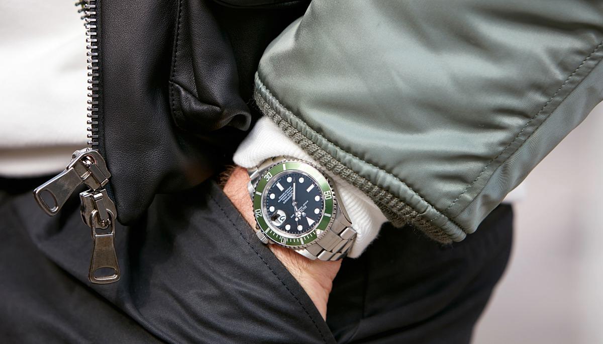 롤렉스의 서브마리너는 1953년 일상에서도 찰 수 있는 '활동적이면서도 우아하고 방수 기능이 있는 손목시계'를 표방해 론칭한 모델이다. 현존하는 다이버 시계의 대부분은 이 모델을 원형으로 한다. ©andersphoto