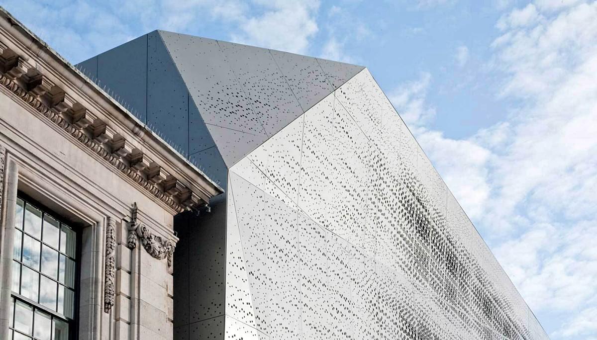 타운홀, 오래된 시청 건물의 감각적 변신