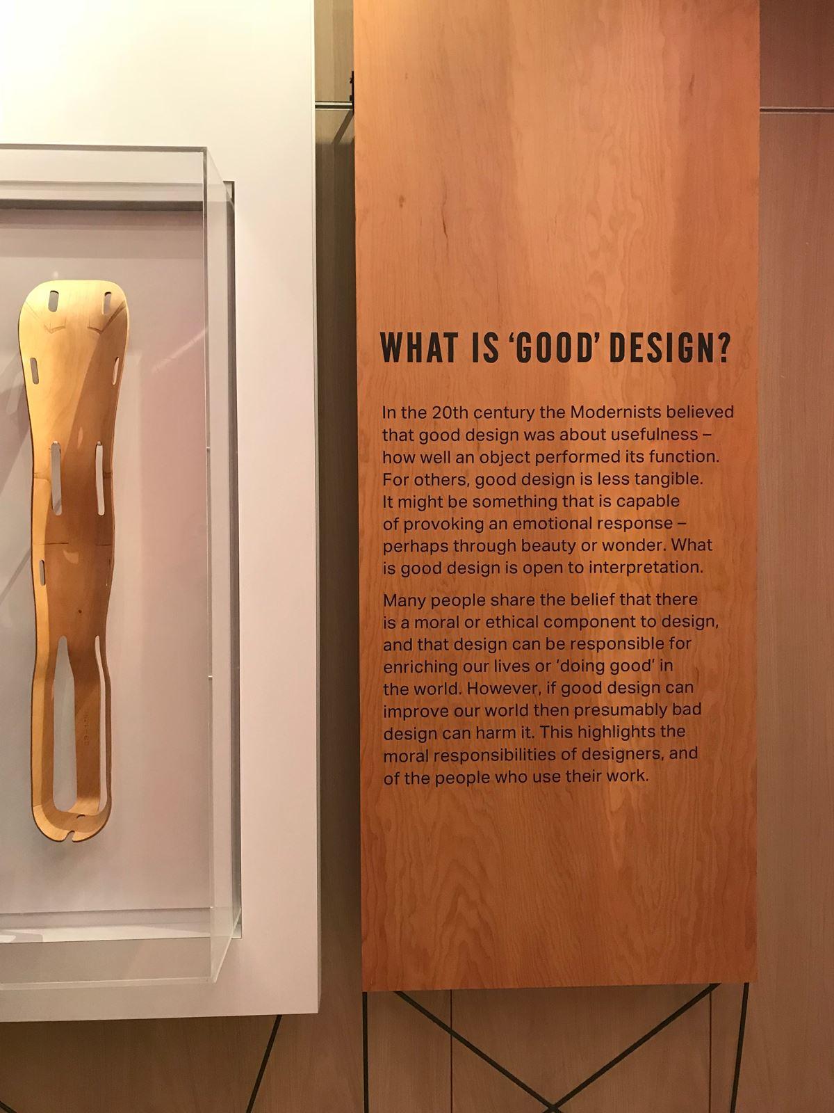 '좋은 디자인은 무엇인가'하는 질문은 언제나 고민해야 한다. 특별히 디자이너의 입장, 생산자의 입장 그리고 사용자의 입장에서 좋은 디자인은 무엇인지에 대해 생각해볼 일이다. ©김병수