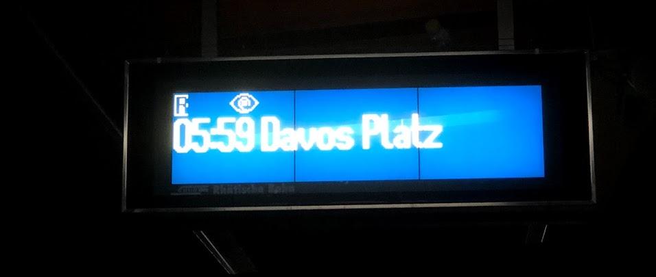 다보스로 가는 첫 기차를 기다리며 ⓒ신명철