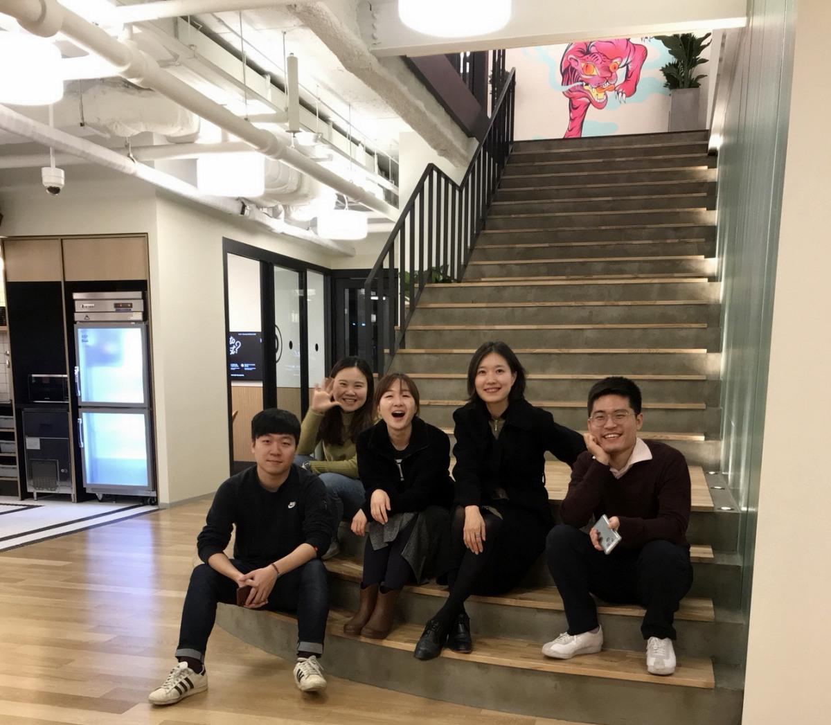 (왼쪽부터) 이육헌, 이승희, 정혜윤, 손하빈 마케터, 그리고 PUBLY 최우창 PM ⓒ이승희