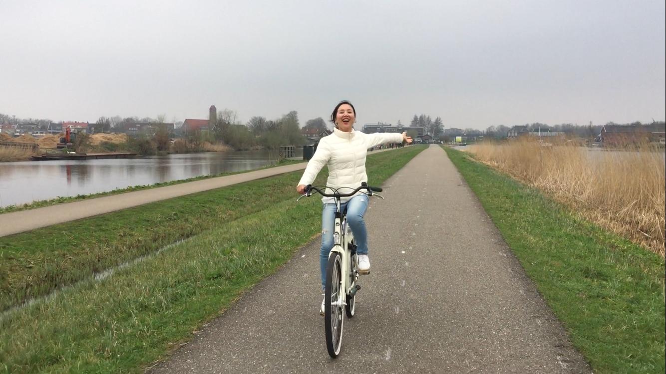일을 마치면 자전거를 타고 멀리까지 나가기도 했다. ©최두옥