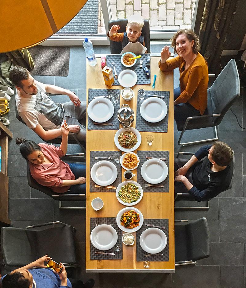 오랜만에 만난 네덜란드 친구들과의 저녁 식사는 설레기까지 했다. ©최두옥