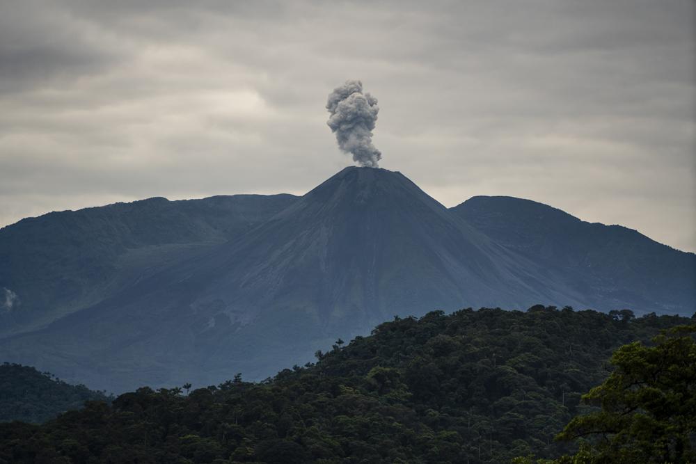 댐 근방에 있는 레벤타도르 화산에서 화산재가 뿜어져 나오고 있다. ⓒFederico Rios Escobar for The New York Times