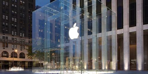 뉴욕의 애플 매장은 뉴욕시에서 가장 많은 사진이 찍히는 공간이라 알려졌습니다. ⓒApple