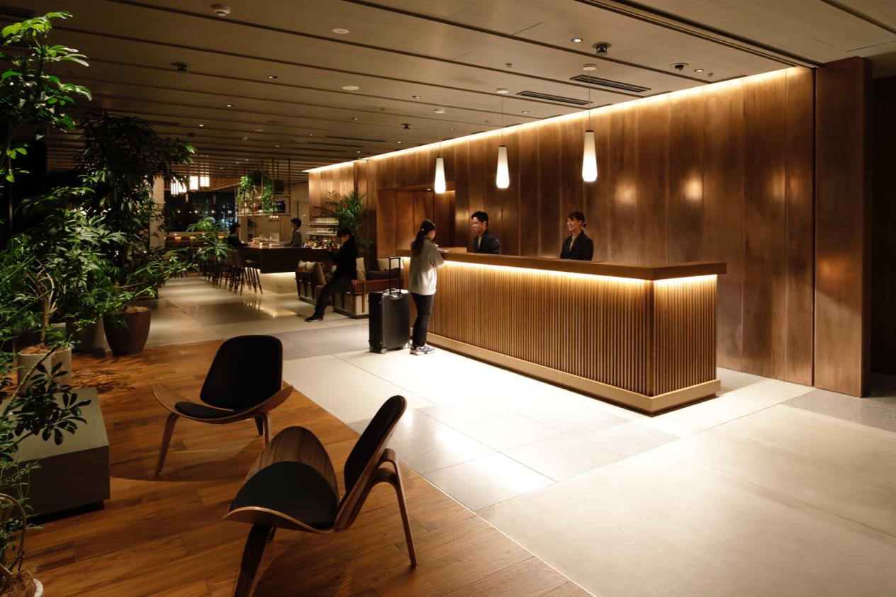 하마초 호텔의 로비 ©UDS