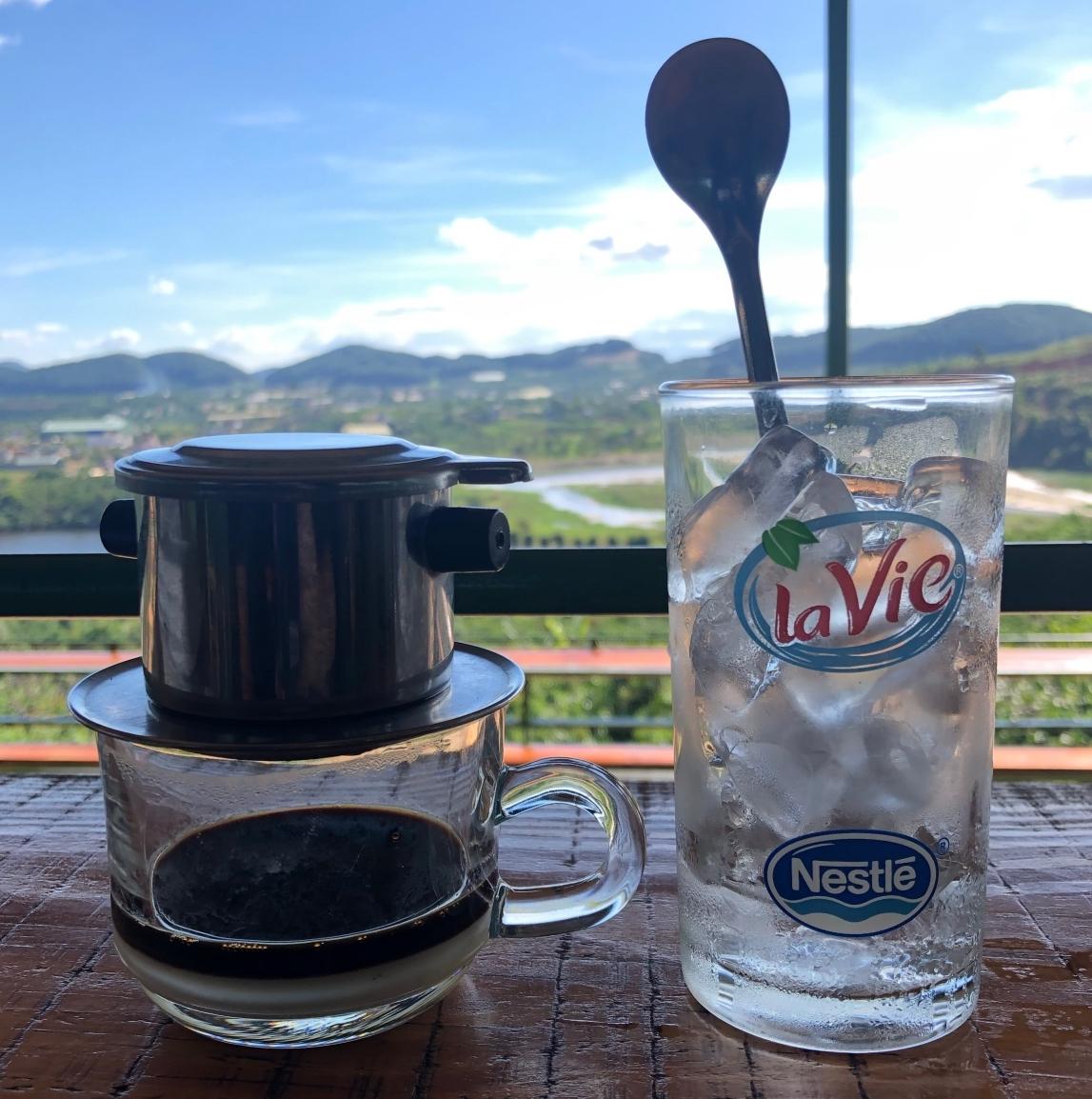베트남식 고유의 커피 문화를 상징하는 '핀' 커피 ⓒ손혜진